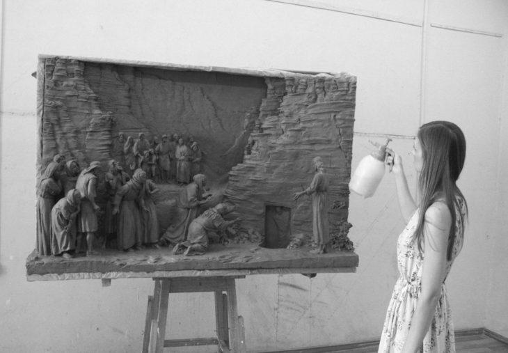 рельеф, скульптура, воскрешение лазаря